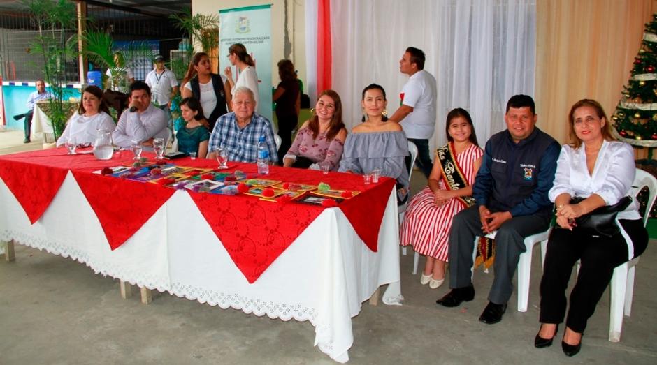 Mesa directiva en el acto de agasajo a las personas discapacitadas del Cantón Bolívar. Manabí, Ecuador.