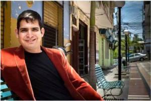 """Poeta Carlos Coello García, autor de """"El origen del mal y otros poemas"""". Manta, Ecuador."""