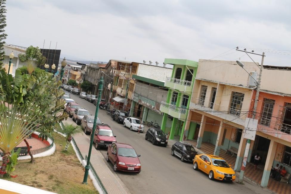 El centro histórico y administrativo de la ciudad de Montecristi. Manabí, Ecuador.