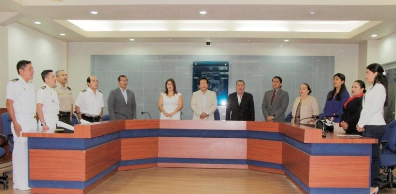 Homenaje del Municipio de Manta a los periodistas en la celebración de su día clásico. Manabí, Ecuador.