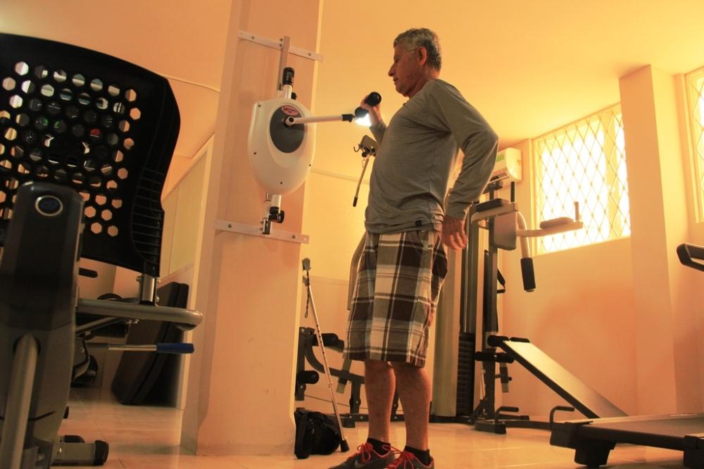 Fisioterapia para todos en el Centro de Atención Integral del Patronato municipal de Manta en Urbirríos. Manabí, Ecuador.