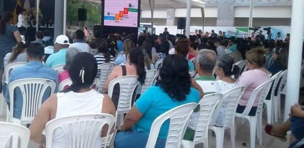 """Acto público en el que se certificó a Montecristi como """"Municipio Saludable"""" del Ecuador."""