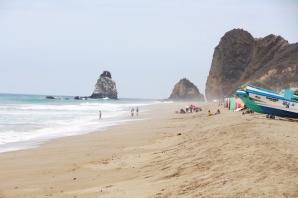 La Playa San Lorenzo, al pie del poblado parroquial.