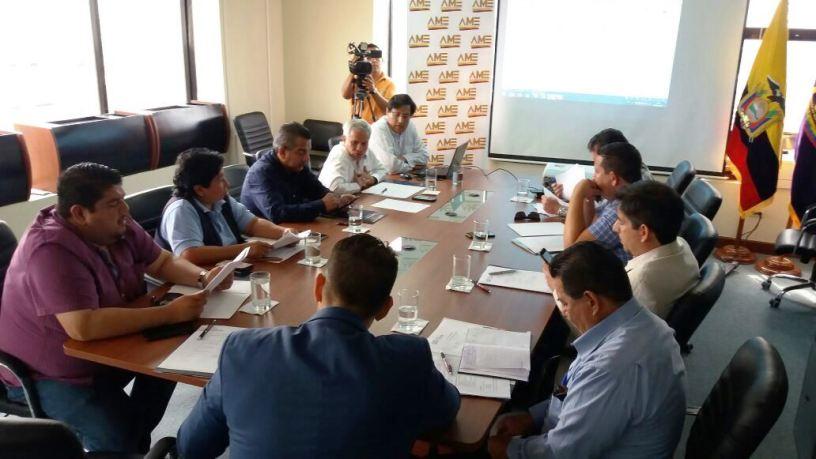 Reunión de miembros de la Asociación de Municipalidades de Manabí, el día martes 9 de enero de 2018, en Portoviejo.