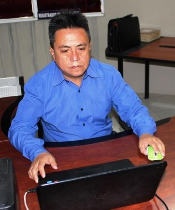 Washington Yandún, registrador de la propiedad, Chone.