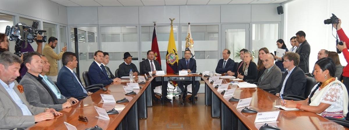 10 millones de euros franceses para sanidad municipal en Ecuador