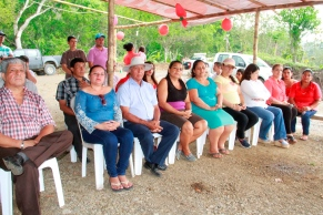Algunos de los invitados al acto inaugural de la Vía Dos Bocas-El Ají.