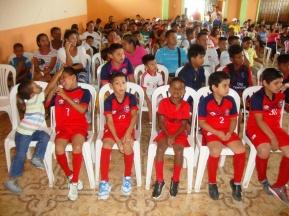 Alumnos de las escuelas de fútbol.