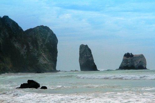 Una de las vistas espectaculares desde la Playa San Lorenzo de Manta.