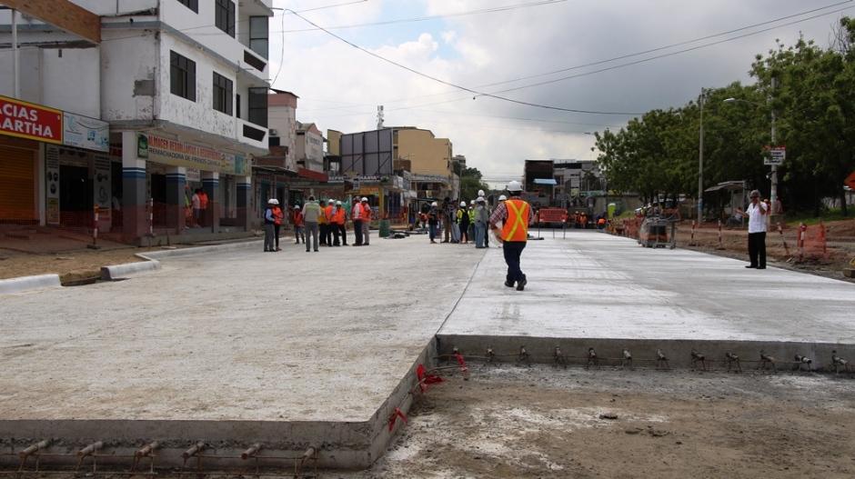 Pavimentación Avenida 4 Noviembre, Manta
