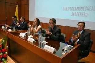 Los más altos directivos de la SETED, en la mesa directiva de la sesión por el segundo aniversario institucional.