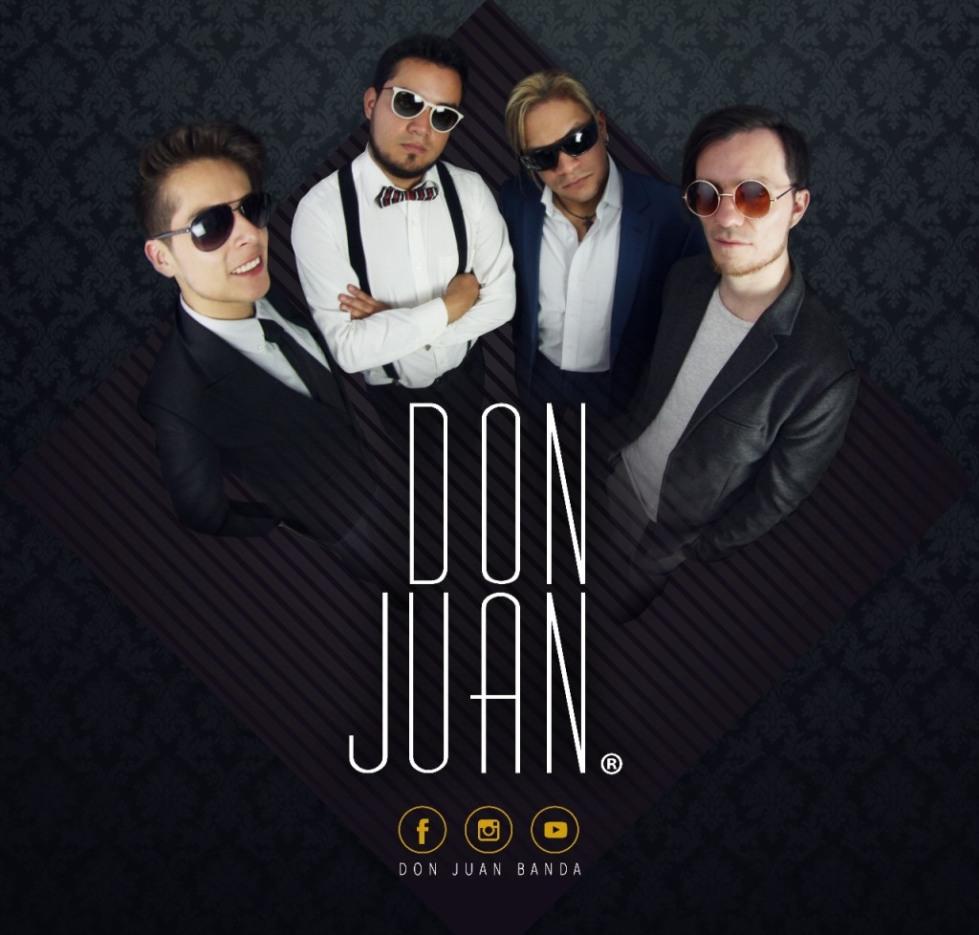 Los artistas de la Banda Don Juan, vestidos de gala. Quito, Ecuador.