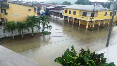 Calles de Chone anegadas por la lluvia del día sábado 17 de marzo de 2018. Manabí, Ecuador.
