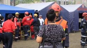 Aspecto del campamento de emergencia levantado para el simulacro de salvamento en una estructura colapsada.