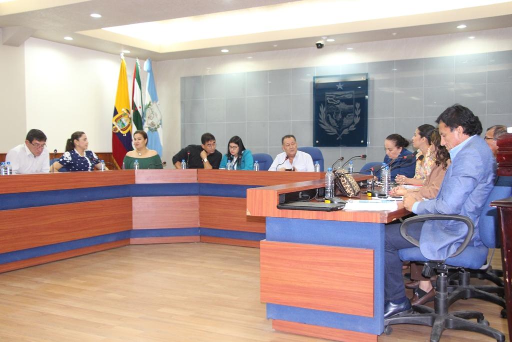 El Concejo municipal de Manta conoce la resolución del problema laboral con la empresa pública Costa Limpia. Manabí, Ecuador.