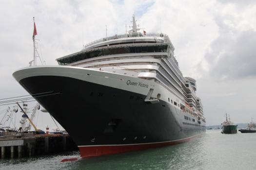 Trasatlántico Queen Victoria, en el puerto de Manta.