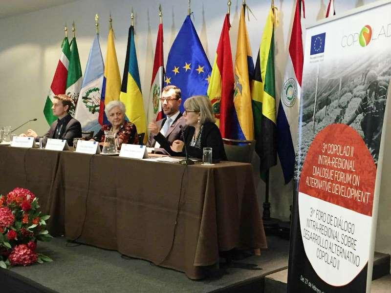 Mesa directiva del Copolad reunido en Lima, Perú.