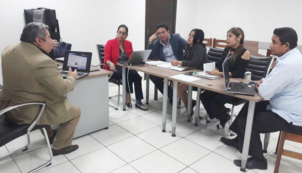 Servidores judiciales de Manabí debaten el contenido de la Ley Orgánica Integral para prevenir y erradicar la violencia de género. Manabí, Ecuador.