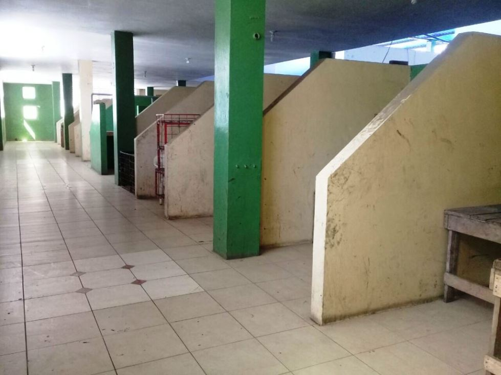 Vista interior de la planta alta del Mercado Central Municipal de Montecristi. Manabí, Ecuador.