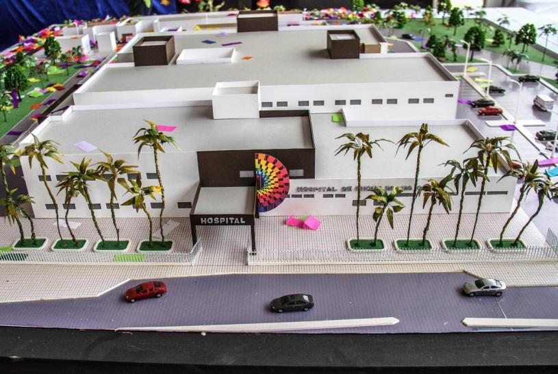 Maqueta muestra área de ingreso al nuevo hospital de Chone, en proceso de construcción. Manabí, Ecuador.
