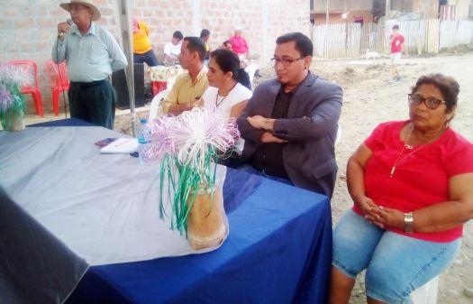 Las autoridades que presidieron la Asamblea de Moradores del Barrio Emilio Hidalgo, Chone.