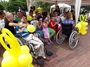 Los protagonistas de la celebración por el Día del Síndrome de Down, en la fiesta que les organizó el Municipio de Chone.