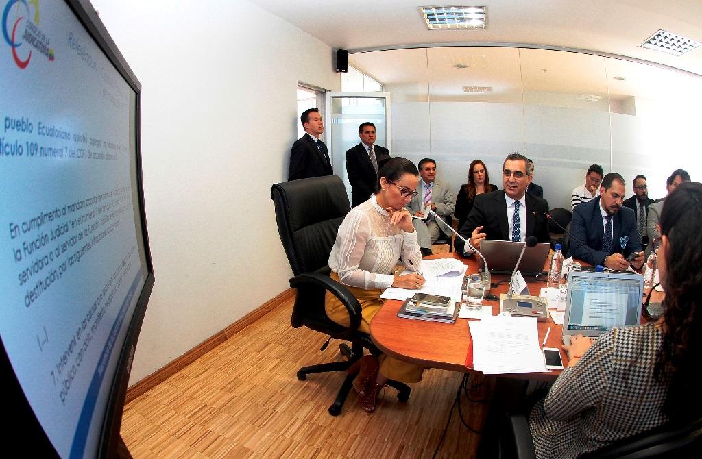 La Comisión de Justicia de la Asamblea Nacional de la República recibe las propuestas de reformas al COFJ planteadas por el Consejo de la Judicatura. Quito.
