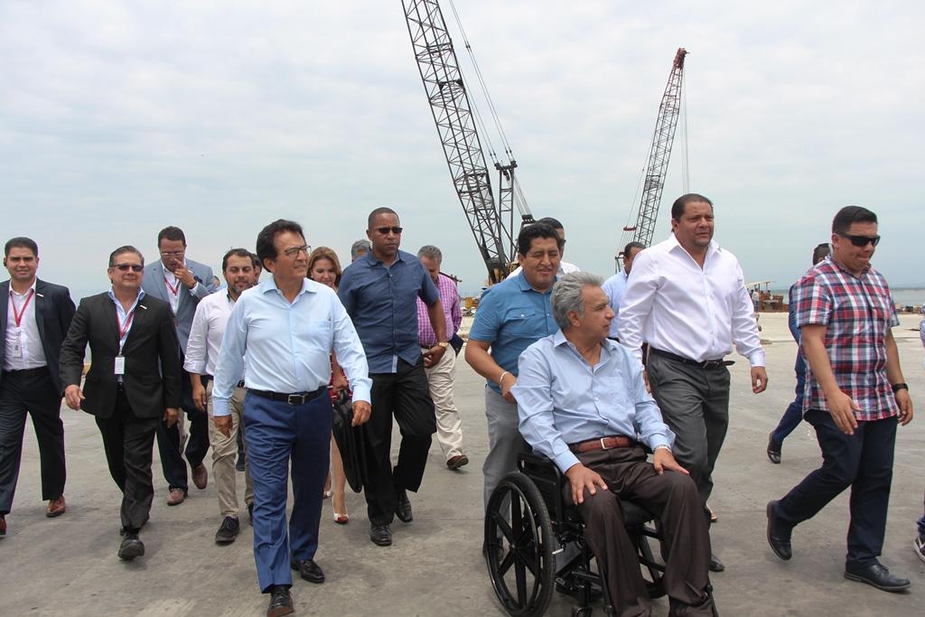 Presidente ecuatoriano, Lenín Moreno, recorre las instalaciones portuarias de la ciudad de Manta. Manabí, Ecuador.