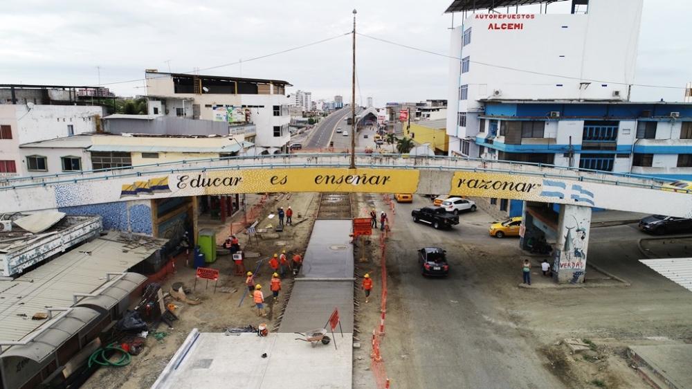 Avenida 4 de Noviembre de Manta. Tramo en regeneración, desde la Calle Venezuela hasta la Calle J-10 del Barrio Jocay. Manabí, Ecuador.