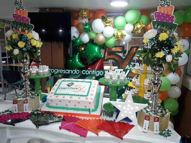Coop. A y C Chone, decoración 54 aniversario