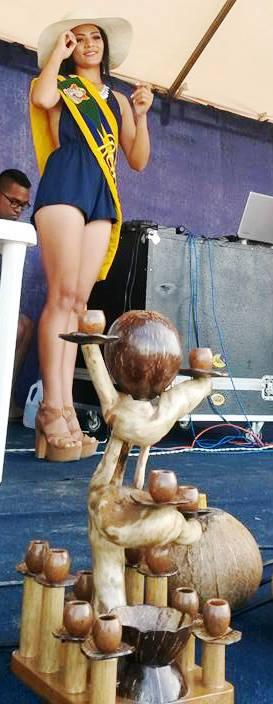 Festival del Coco, escultura y reina