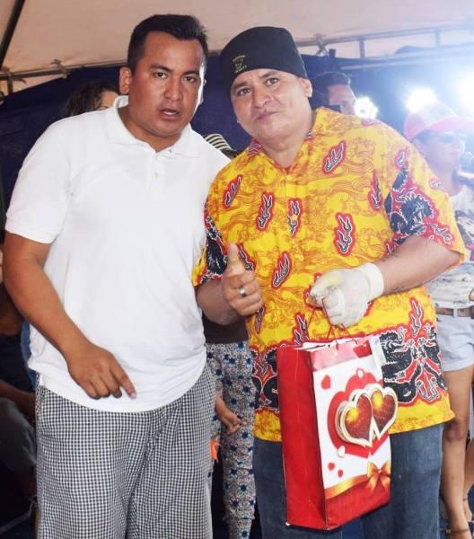 Festival del Coco, R. Bonilla acepta premio