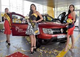 Con el premio Renault para la Miss Ecuador 2018.
