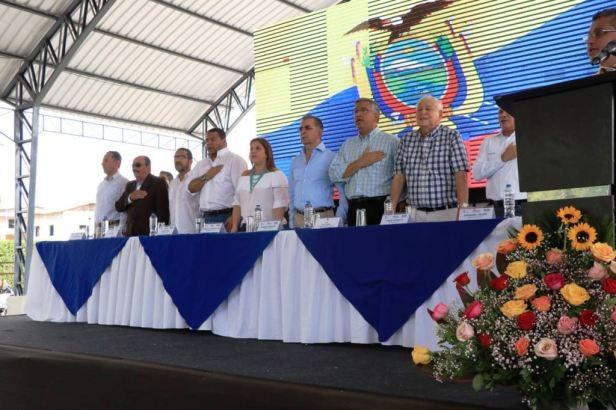 Autoridades públicas de Manabí y del Gobierno nacional encabezan anto inaugural de dos vías rurales rehabilitadas, Calceta. Manabí, Ecuador.