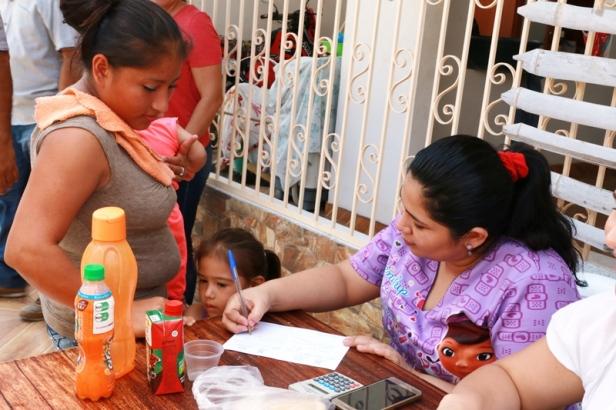 Atención de una brigada médica municipal en el Barrio El Porvenir II, Manta. Manabí, Ecuador.