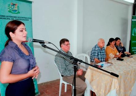 Ceremonia de clausura del curso de capacitación para miembros de los consejos barriales de Calceta.