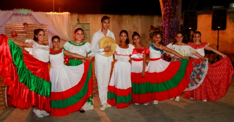 Su afición es por la danza folclórica.