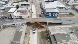 Vista desde el inicio de la Avenida 4 de Noviembre, en el Río Manta.