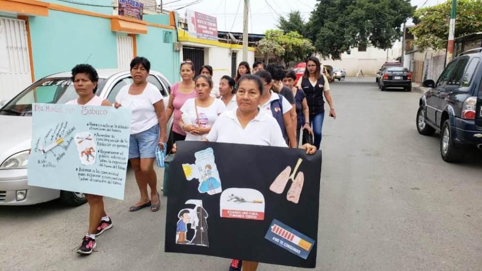 Marcha pública en Jaramijó para advertir de los riesgos que entraña en la salud humana el consumo de tabaco. Manabí, Ecuador.