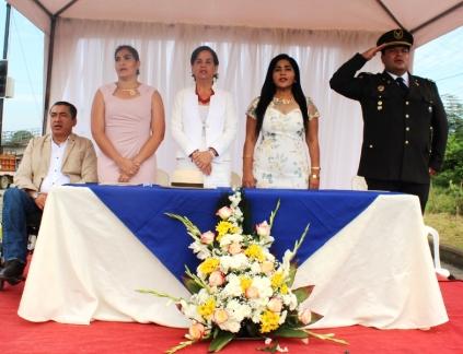 Tribuna de autoridades que encabezaron la celebración.