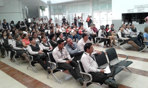 Escuchando la charla de una delegada de EcuadontoMed.