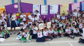 Parte de los niños concursantes en el Cantón Manta.