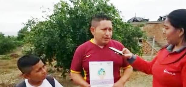 Gregorio Rivera, padre de un estudiante escolar que participa en el concurso ambiental internacional Alrededor de Iberoamérica. Manabí, Ecuador.