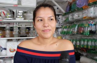 Paola Macías, de PlastiBriones.
