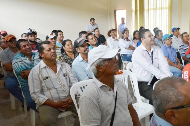 Invitados a la presentación del proyecto Cédula del Agricultor de la Cámara de Agricultura, quinta zona. Manabí, Ecuador.