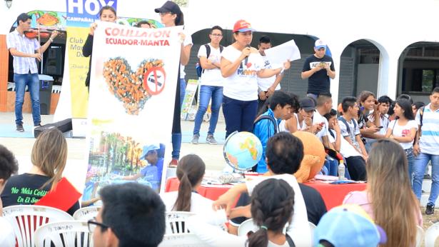 Exposición anti tabaco en la ciudad de Manta. Manabí, Ecuador.