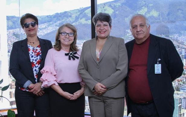 Delegados de la Asociación de Mujeres Abogadas de Ecuador y de la Asociación de Magistrados y Jueces del Ecuador, durante su visita al Consejo de la Judicatura interino. Quito, Ecuador.
