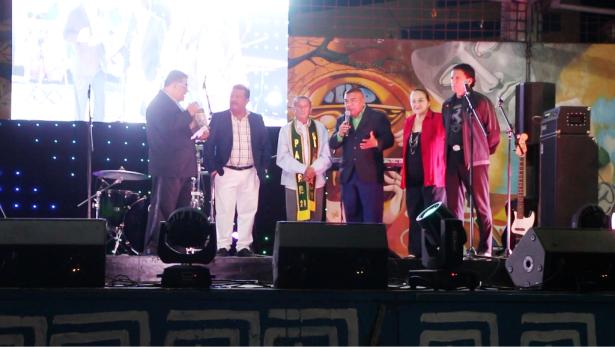 Proclamación de Padre Símbolo de la plaza cívica de Manta a Ramón Cedeño. Manabí, Ecuador.