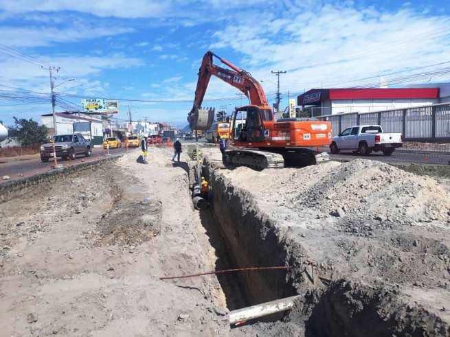 Excavación para el tendido subterráneo de acueductos.