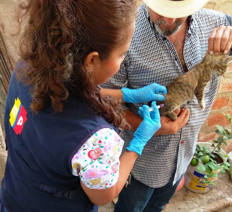 La vacunación 2018 contra la rabia ya alcanza a 1900 mascotas en el Distrito de Salud 13D02. Manabí, Ecuador.